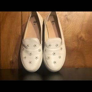 H&M Slip On Shoes with Daisies